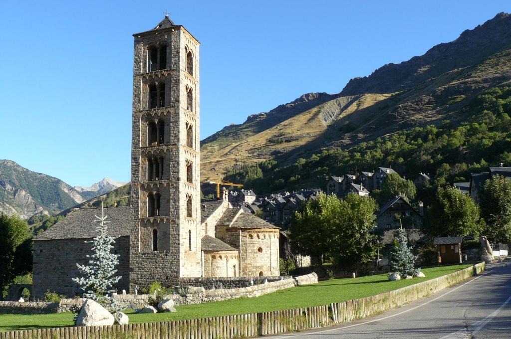 Iglesia De San Clemente De Tahull In Lleida Cathedrals Churches